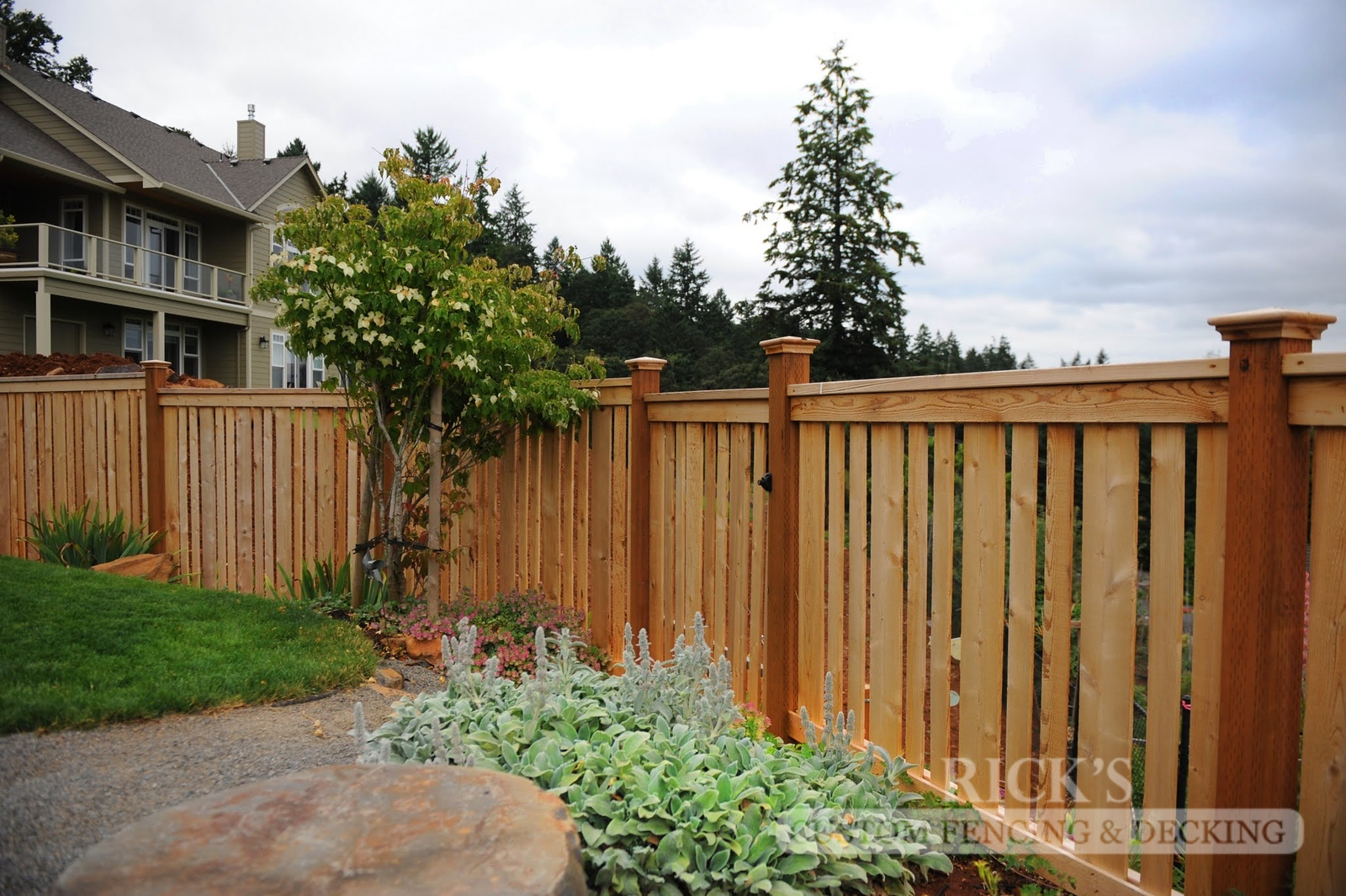 2420 - Custom Cedar Picture Frame Fencing