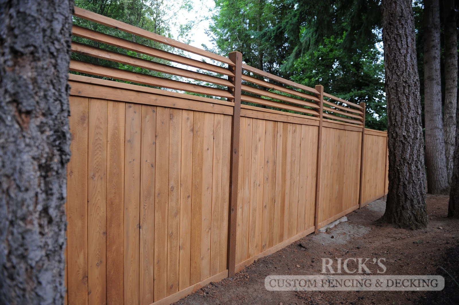 2414 - Custom Cedar Picture Frame Fencing