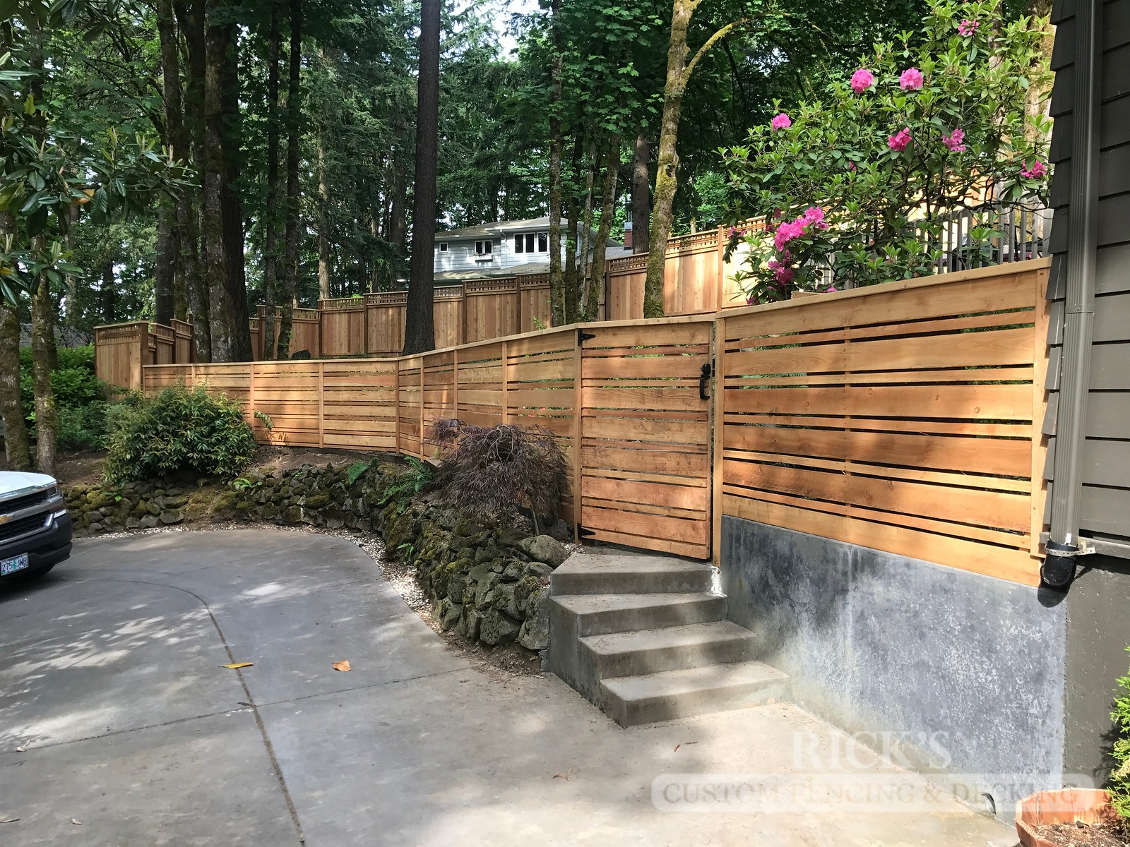 2433 - Custom Cedar Horizontal Fencing