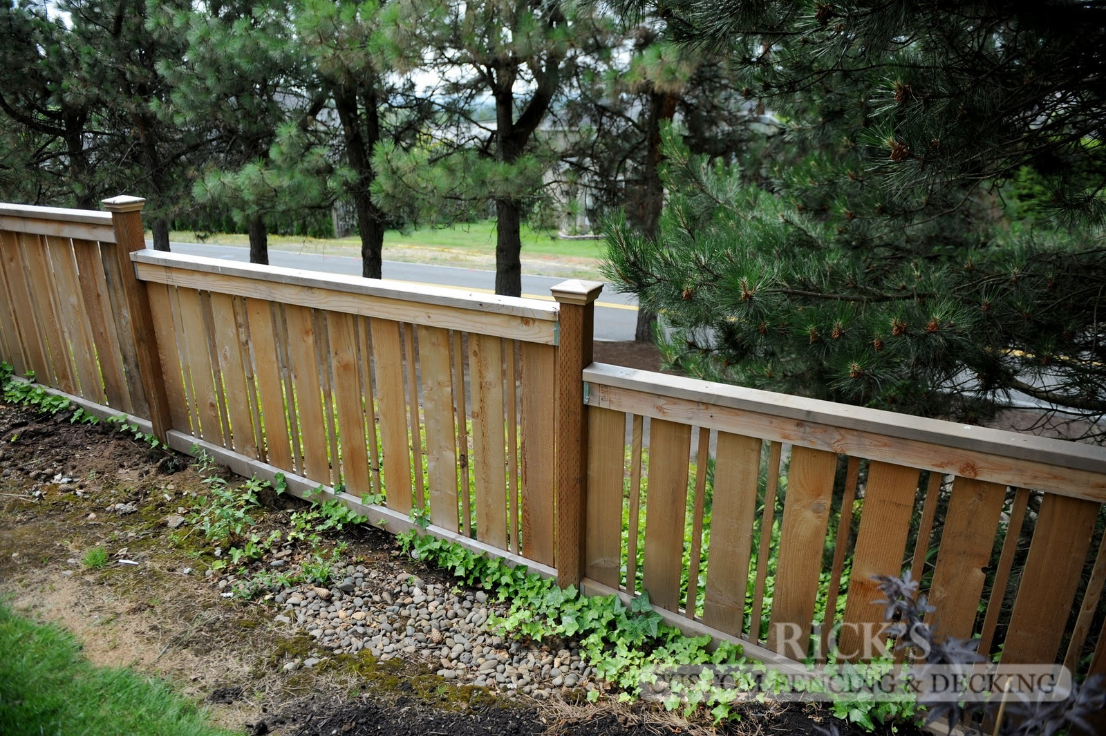 2416 - Custom Cedar Picture Frame Fencing
