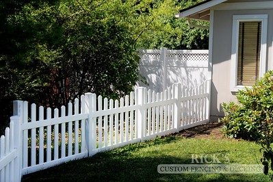 3428 - Scalloped Vinyl Picket Fencing
