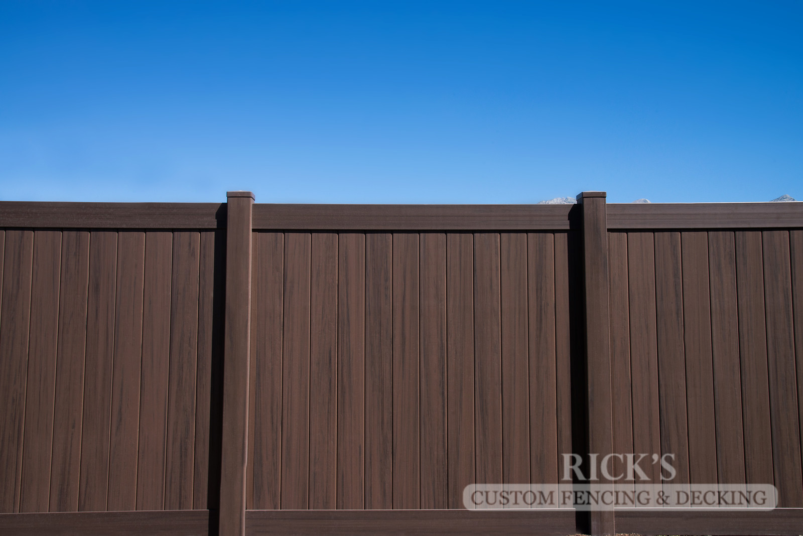 3030 - Vinyl Privacy Fencing