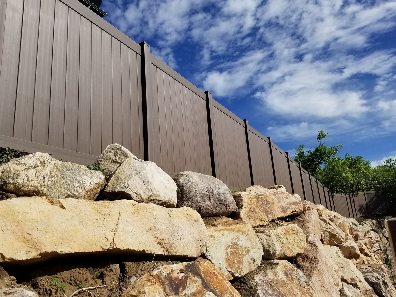3035 - Vinyl Privacy Fencing
