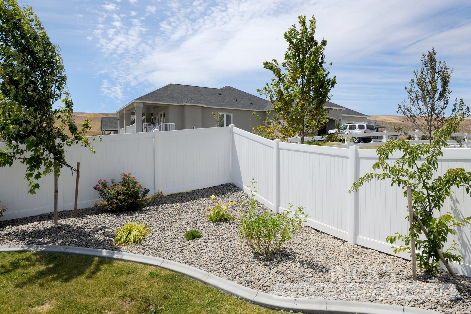 3003 - Vinyl Privacy Fencing