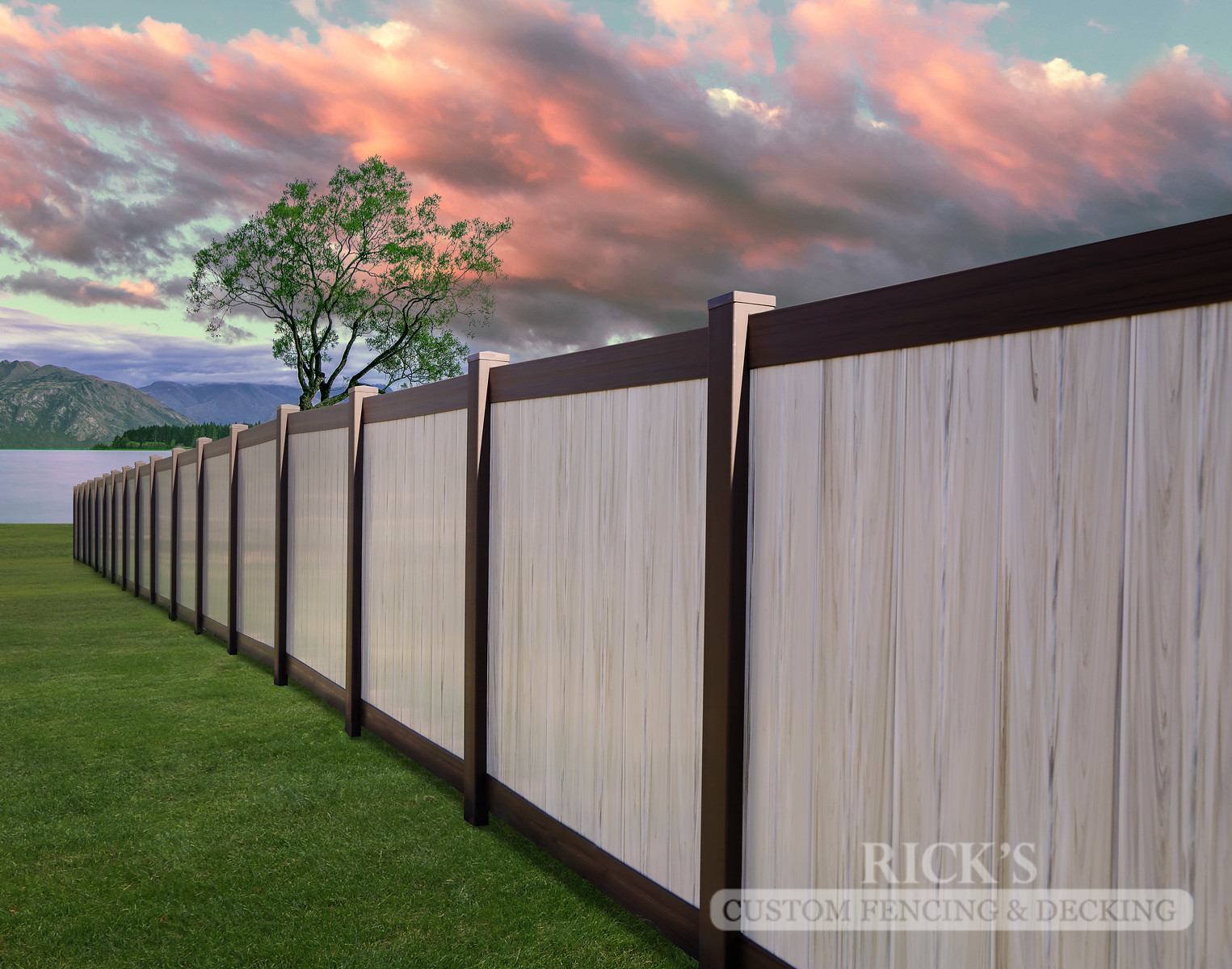 3038 - Vinyl Privacy Fencing