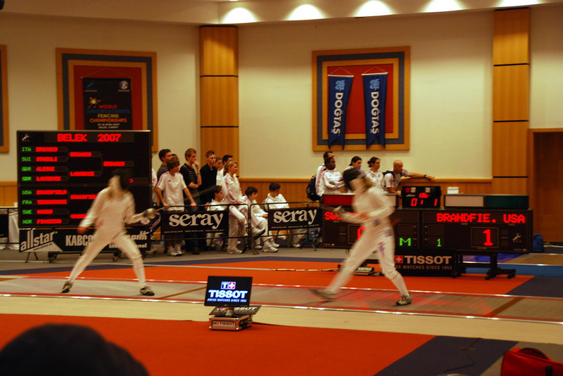 Women's Epee round of 32.  Brandfield-Harvey on the right.