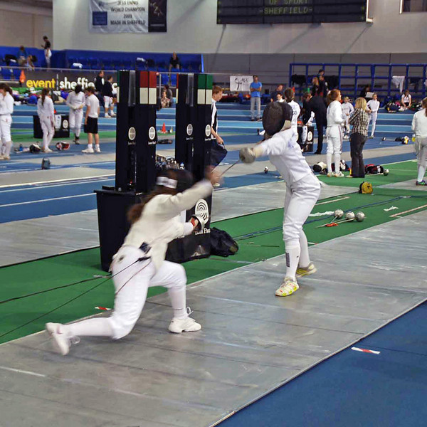 Nina Moiseiwitsch (right) in the pool round of the Junior Women's Epee British National Championships.