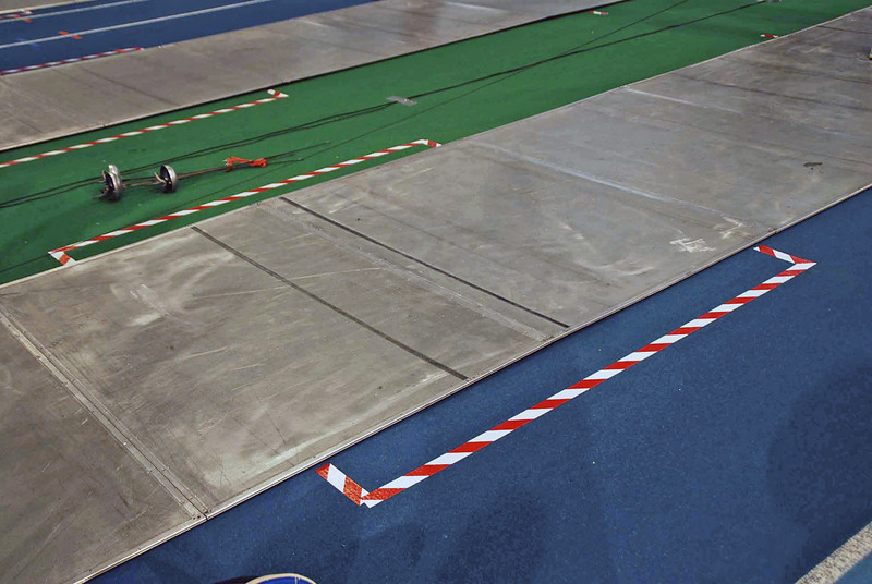 The 2-meter warning area of the metallic fencing strip was not marked.  Instead there were lines on the outside of the strip.