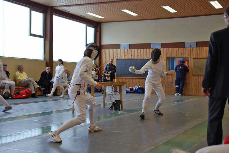 Annie Stephenson (right) in the first round of pools in Heidenheim, Germany.