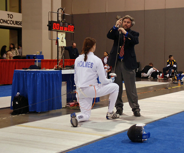 Katharine Holmes in the direct elimination round of the Junior Women's Epee.