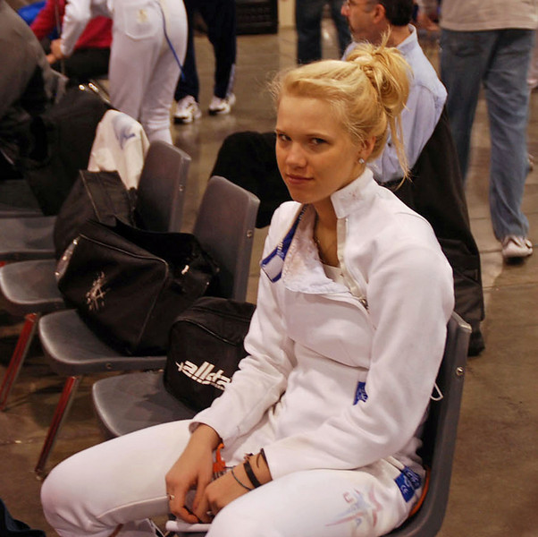 Annie Stephenson before the Cadet Women's Epee.