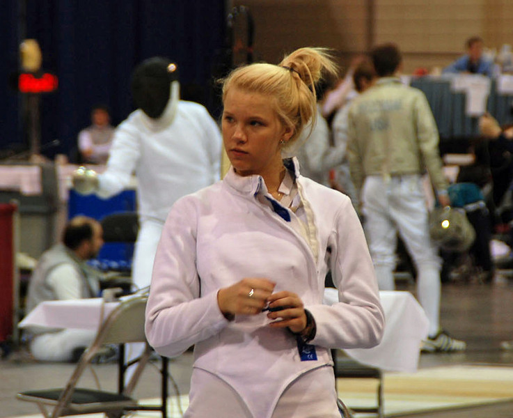 Annie Stephenson before the start of Division I Women's Epee.