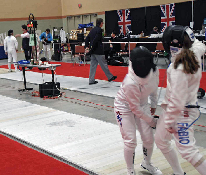 Siobhan Fabio competes in the DE of Division III Women's Epee.