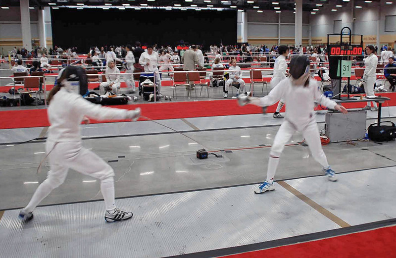 Siobhan Fabio (left) in the Division II Women's Epee.