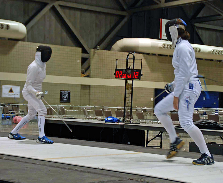 Katharine Holmes vs Isabella Barna in the gold medal bout of Cadet Women's Epee.