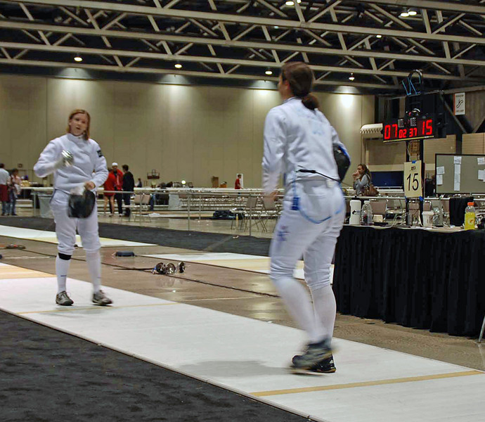 Katharine Holmes won against Courtney Dumas 15-7 in the round of 16 of Cadet Women's Epee.