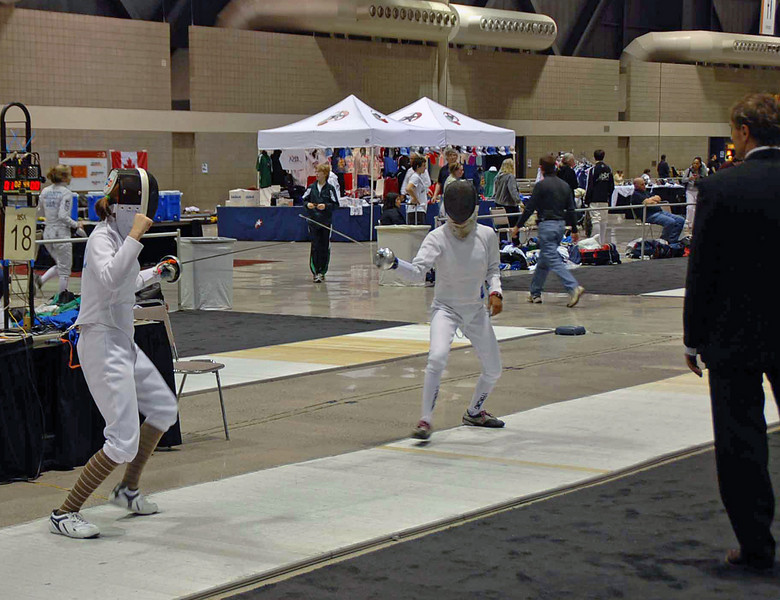 Carolyn Townsend (left) in her first competitive national bout.