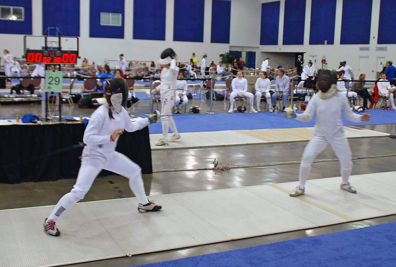 Nina Moiseiwitsch (left) in Division I Women's Epee.