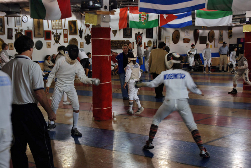 Nina Moiseiwitsch (right) in Y14 Mixed Epee.