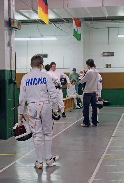 Raphael Hviding prepares to start the direct elimination round.