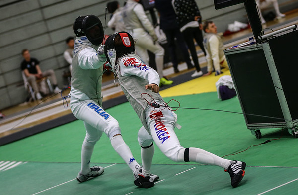 "Bonn, Germany - 9th November 2018; Mens foil world cup ""Loewe von Bonn"",    in photo: INGARGIOLA Francesco ITA, LEE Kwanghyun KOR,    photo by: Jan von Uxkull-Gyllenband"