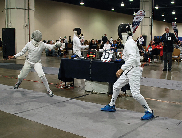Nathan Yoon (right) in the Youth-14 Men's Epee.
