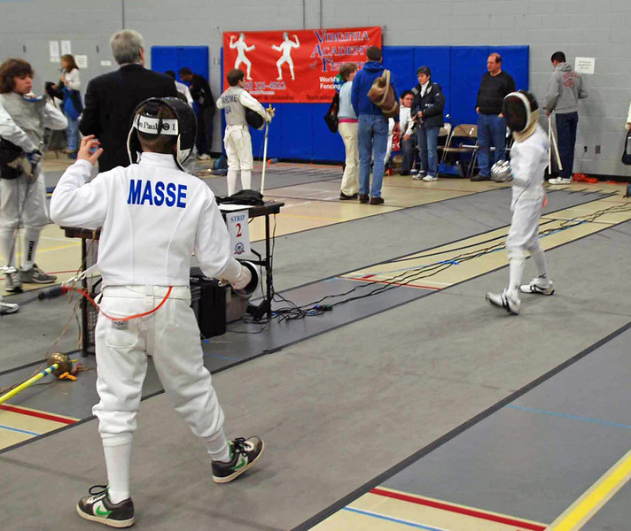 Cole Masse vs Simon Hardy in the Y12 Men's Epee.