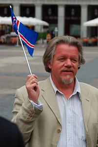 Kristinn R. Ólafsson kveður okkur á Plaza Mayor