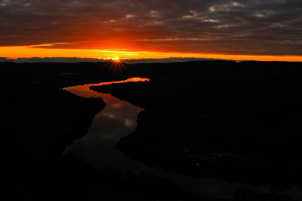 Sunrise over the River Tay