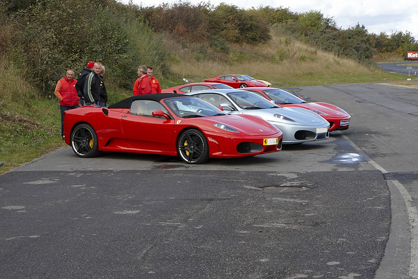 Ferrari Owners Club Denmark - Foreningen Omsorg KTI Roskilde - Pictures on the lane