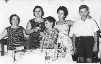 Sra do Rogerio Afonso,Adelaide Teixeira Alves, ?? e Abel Alves e irmão Vasco Alves