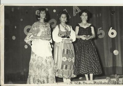 Dundo Carnaval 1956  Mª dos Anjos,Tininha Rafael e Marucha Xico Paulos.
