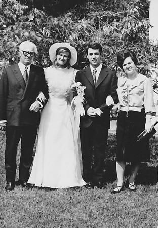 Lukapa. 24/9/1972. NANY TAVARES E TOZÉ LOURENÇO Casal Ramos e noivos