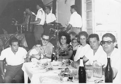 Festa em Andrada: Casal Pinto das Gaiolas e filho Paulo, casal Tavares e filha Guida e Gastao