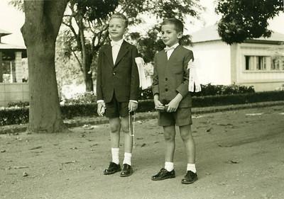 Junho 1959, Dundo, 1* comunhao Quim Manel e Jose' Joao Rocha Afonso