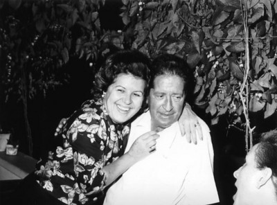 Jantar homenagem Dr Ramos da farmacia anos 70 Dr. Ramos e Esperanca Josefa