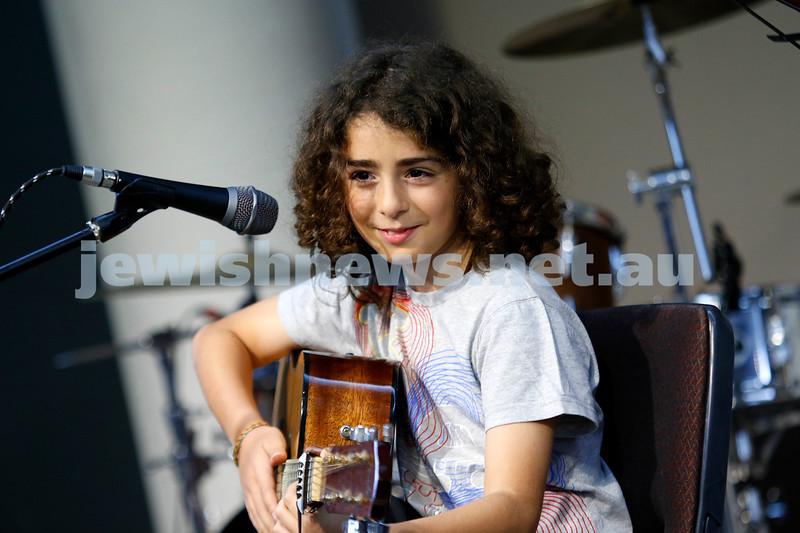 9-12-18. Festibayit. Annual Israeli chanukah festival at Beth Werizmann. Photo: Peter Haskin