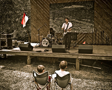 Dex Romweber Duo performing before a tough crowd at the 2008 Festival for the Eno.