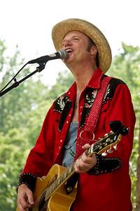 2008 Eno Festival-2153.jpg     Farmer Jason performing at the 2008 Festival for the Eno