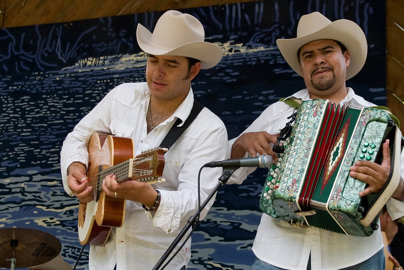 Rey Norteno performing at the 2008 Festival for the Eno