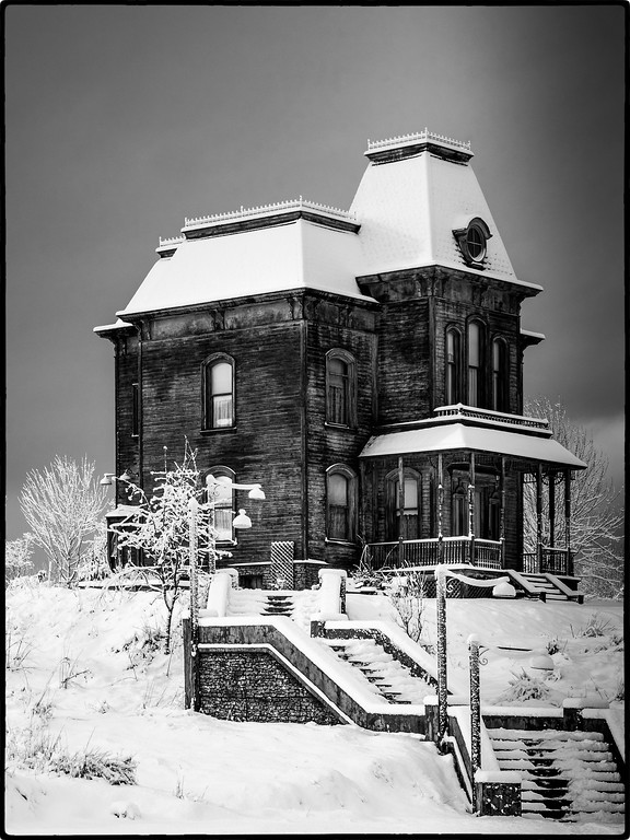 Bates Mansion