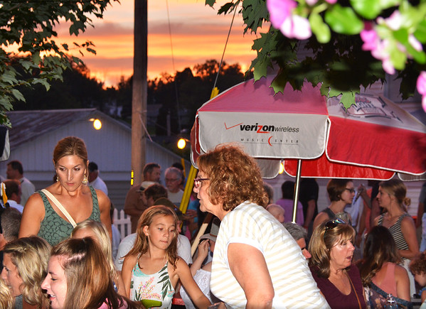 Debbie Blank   The Herald-Tribune<br /> Families were eating supper during a colorful sunset Friday.