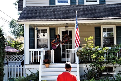 20170904 Elan Varner at Maplewood Porchfest 0112