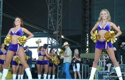 WeFest Vikings Cheerleaders 2013