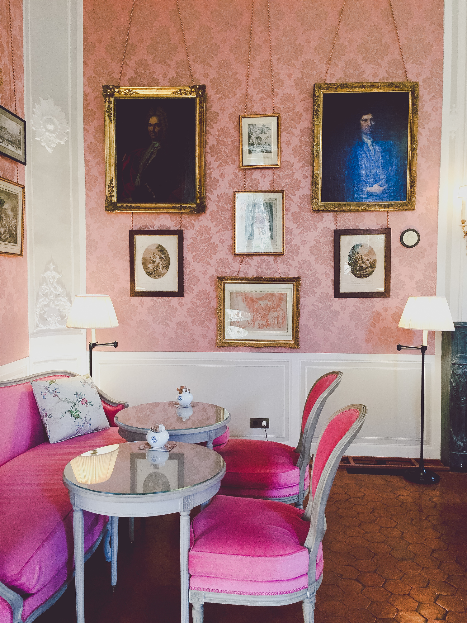 The salon at the Caumont Centre d'Art is one of the best places to eat. Check out our top locals' picks on where to eat in Aix en Provence and avoid the tourist traps.