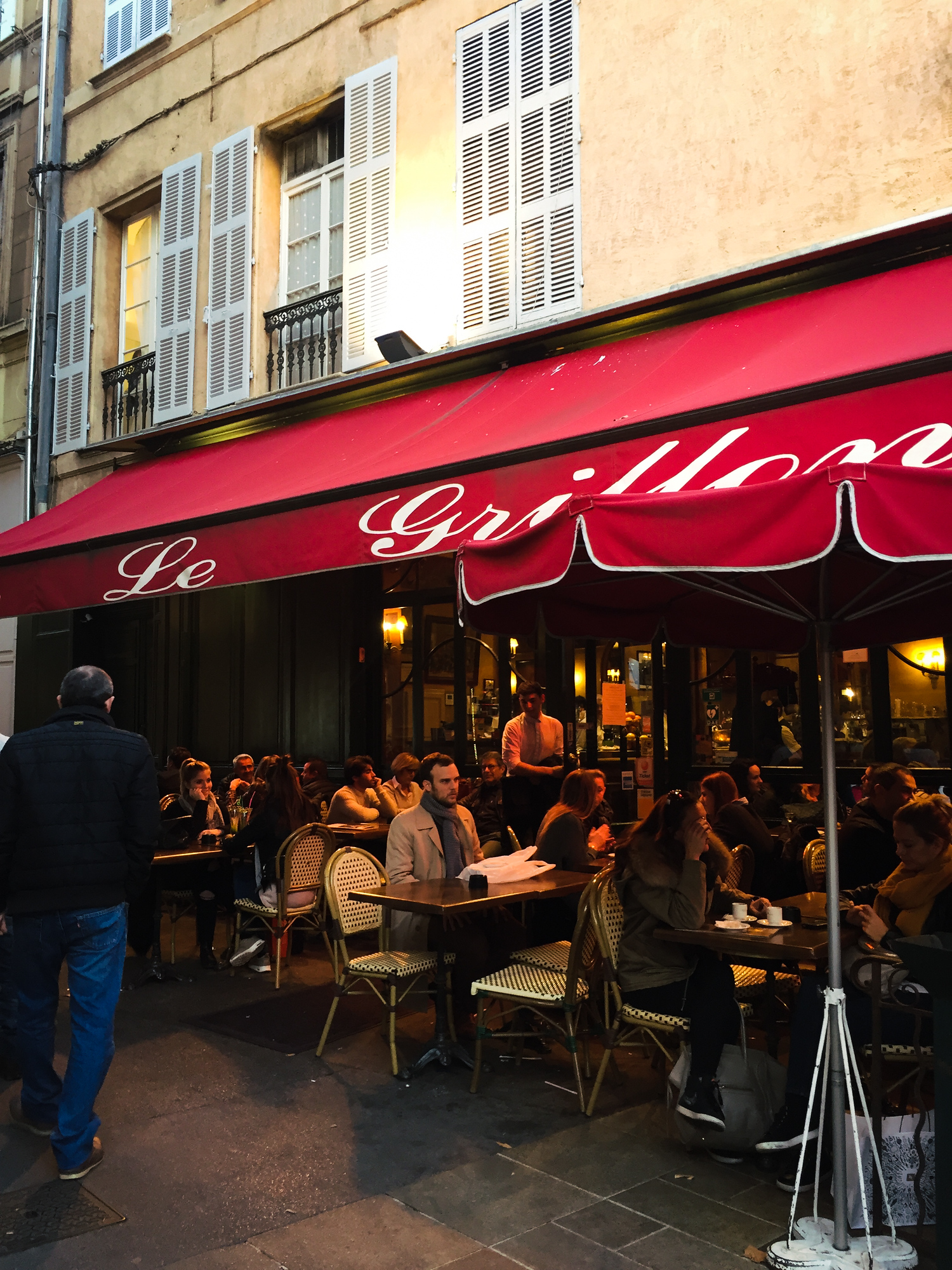 Le Grillon is one of the most popular cafes in Aix en Provence. Check out our top locals' picks on where to eat in Aix en Provence and avoid the tourist traps.