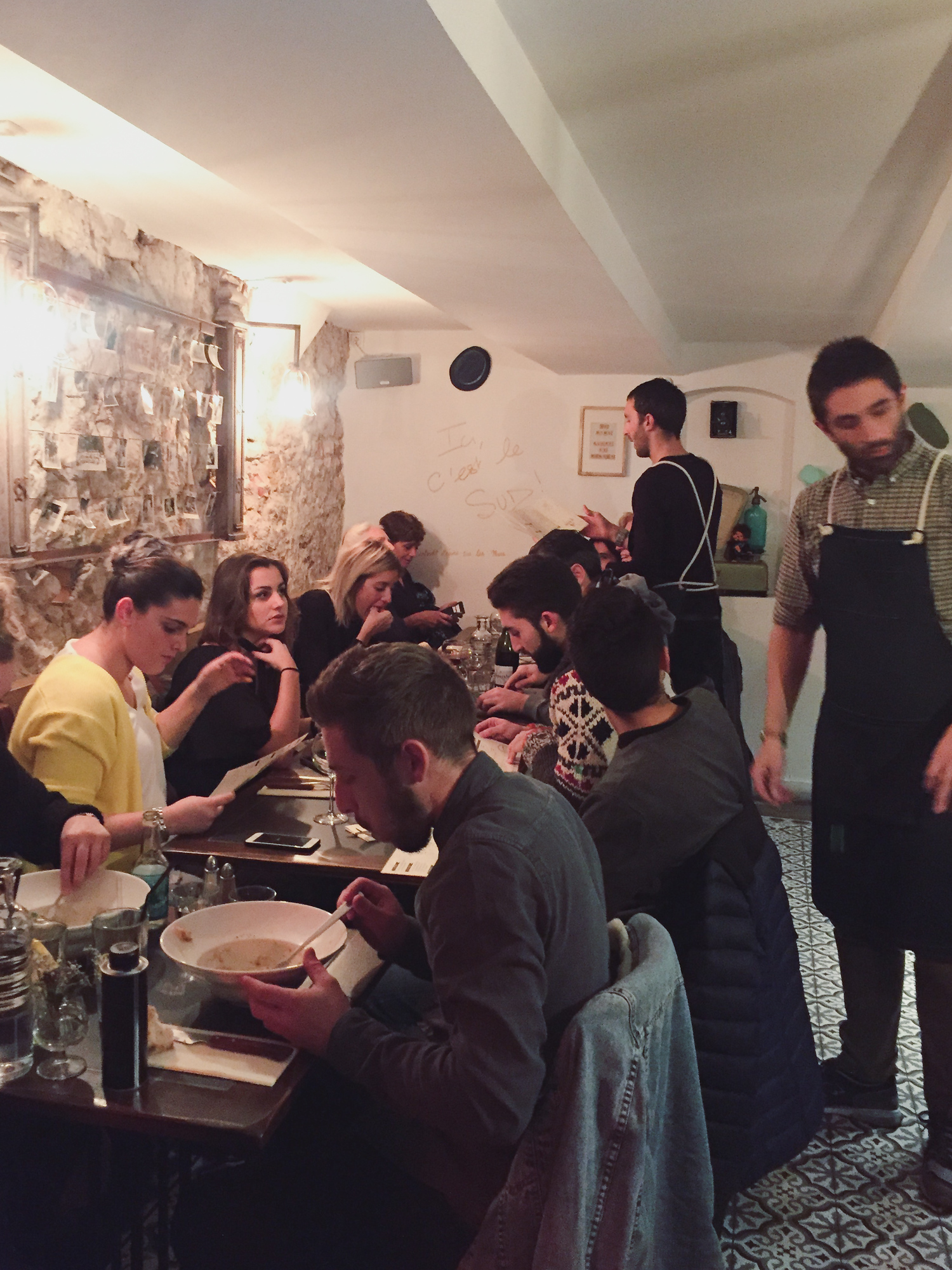 Le Mome is a Corsican restaurant in Aix en Provence and considered one of the best in the city. Check out our top locals' picks on where to eat in Aix en Provence and avoid the tourist traps.