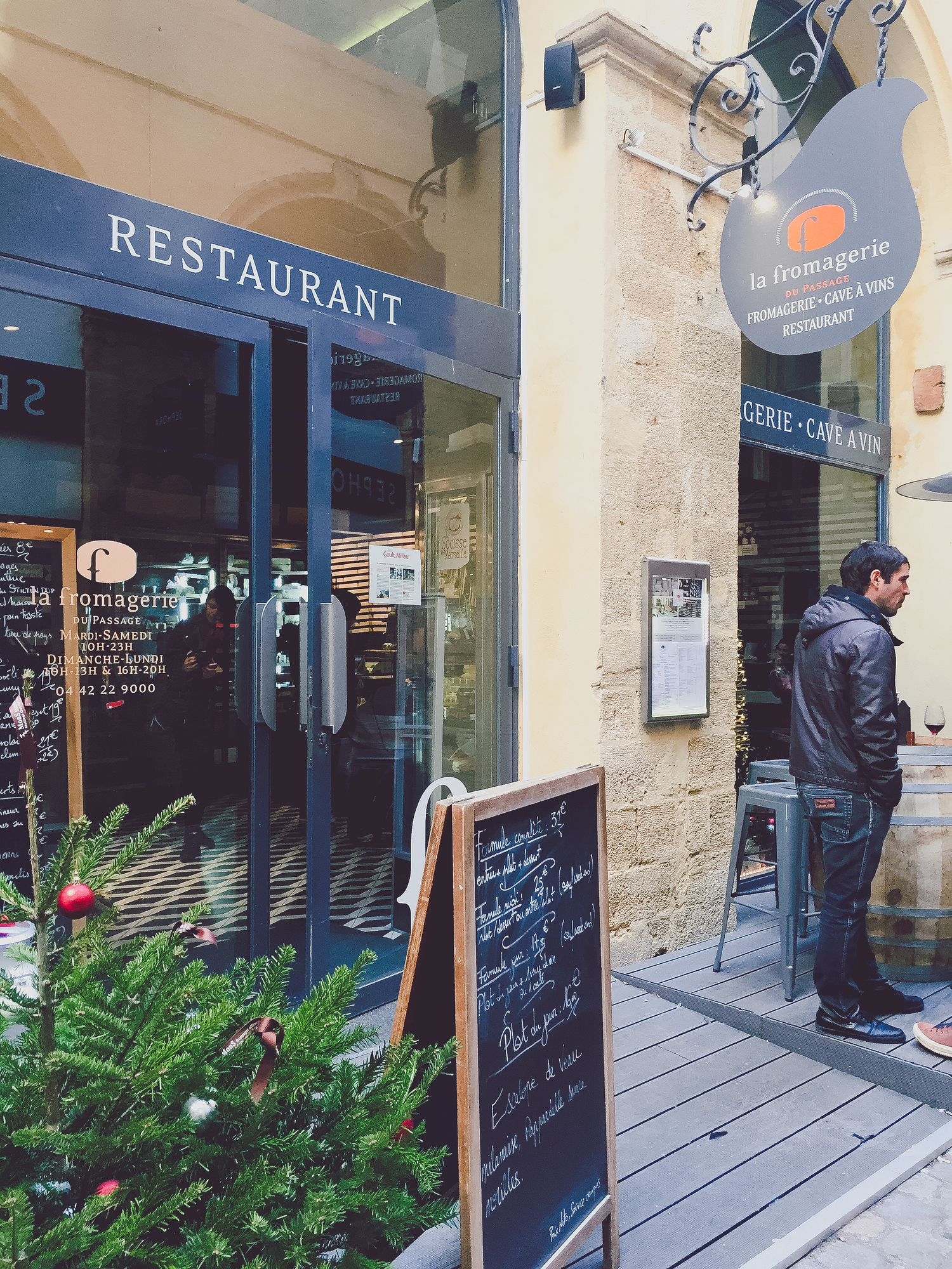 La Fromagerie is one of the most popular restaurants in Aix en Provence. Check out our top locals' picks on where to eat in Aix en Provence and avoid the tourist traps.