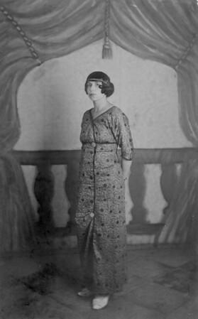 Marta Feuchtwanger in Tunesia as a young woman, 1914