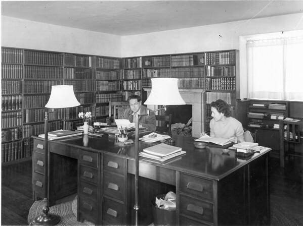 Lion Feuchtwanger and Hilde Waldo in Feuchtwanger's study